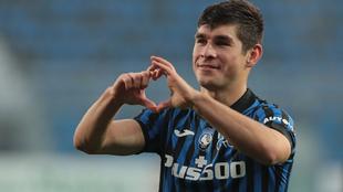 Malinovskyi celebra su gol en el triunfo de Atalanta 1-0 sobre...
