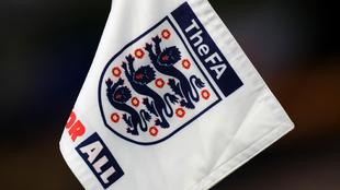 Logo de The FA en un banderín.