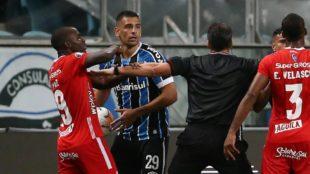 La dos oportunidades que fue a Porto Alegre se le fueron cuatro puntos...