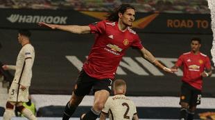 Edinson Cavani renueva con el Manchester United.