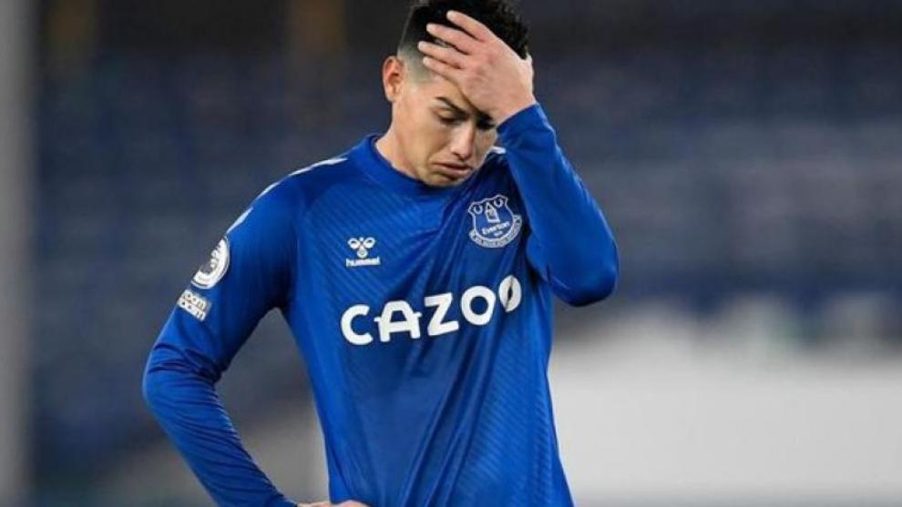 James, fuera del partido ante Aston Villa por lesión.