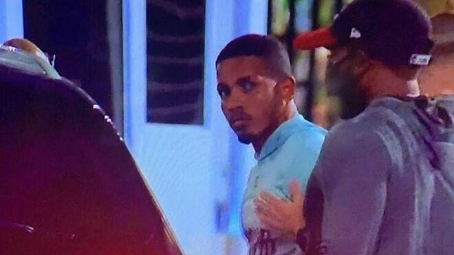 Félix 'El Diamante' Verdejo entregándose a las autoridades