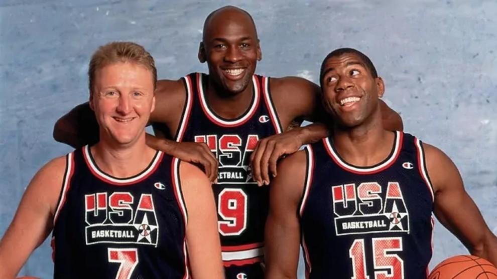Larry Bird, Michael Jordan y Magic Johnson durante una sesión de...