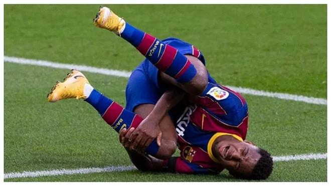 Ansu Fati tendrá que operarse de nuevo en la rodilla con el médico...