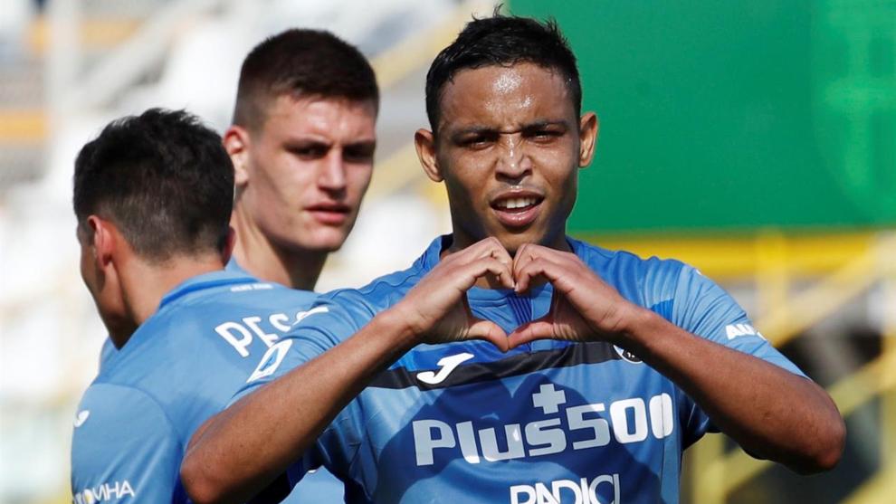 Luis Fernando Muriel celebra un gol contra el Parma