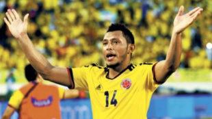 Carlos Valdés, en un partido con la Selección Colombia.