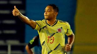 Luis Fernando Muriel, en un partido con la Selección Colombia.