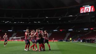 Jugadores del Atlético de Madrid celebran un gol.