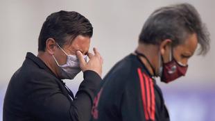 Marcelo Gallardo, afectado por lo gases lacrimógenos.