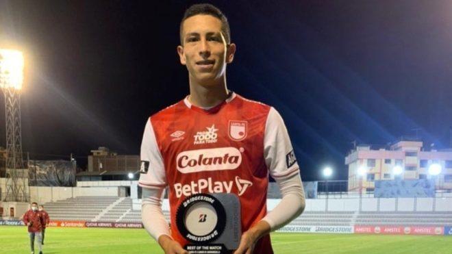 Moralez fue elegido el jugador del partido en el empate que dejó por...