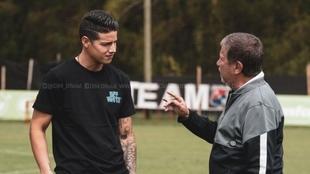 James Rodríguez con el 'Bolillo' Gómez.