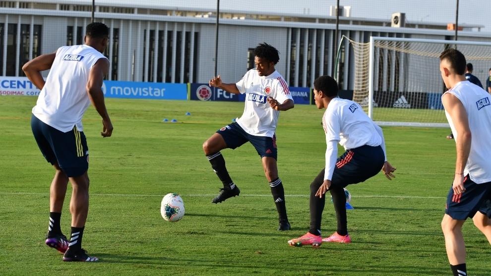 Los jugadores siguen entrenando de cara al duelo ante Perú.