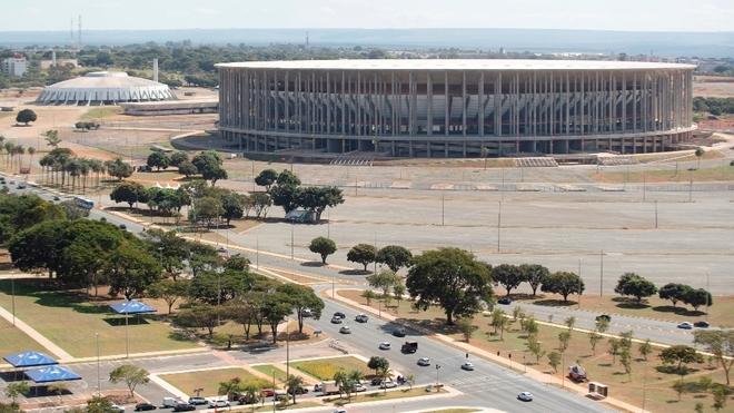 El Mané Garrincha, en Brasilia, una de las cuatro sedes de la Copa...