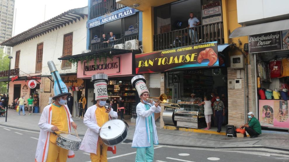Toque De Queda Hoy 5 De Junio En Bogota Cali Y Medellin A Que Hora Empieza Y Que Puede Hacer Revise Restricciones Y Excepciones Marca Claro Colombia