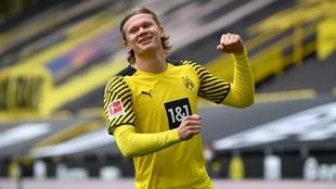 Haaland (20) celebra un gol con el Borussia Dortmund en un partido de...