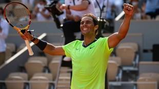 Rafa Nadal (35) celebra su victoria en cuartos de final de Roland...
