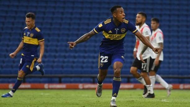 Sebastián Villa (25) celebra un gol ante RIver Plate.