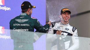 Vettel y Gasly festejan en el podio de Azerbaiyán.