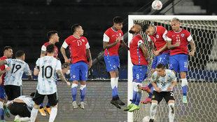 El gol de Lionel Messi ante Chile que recuerda a Maradona.