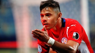 Ángel Romero se reportó con doblete y le dio tres puntos a Paraguay.