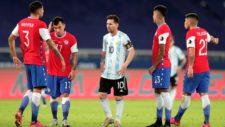 La amargura de Messi. Chile se vuelve a meter en su camino.