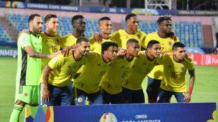 La Selección Colombia en la foto antes del partido contra Venezuela.
