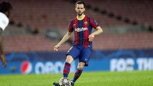 Miralem Pjanic en un partido con el FC Barcelona.