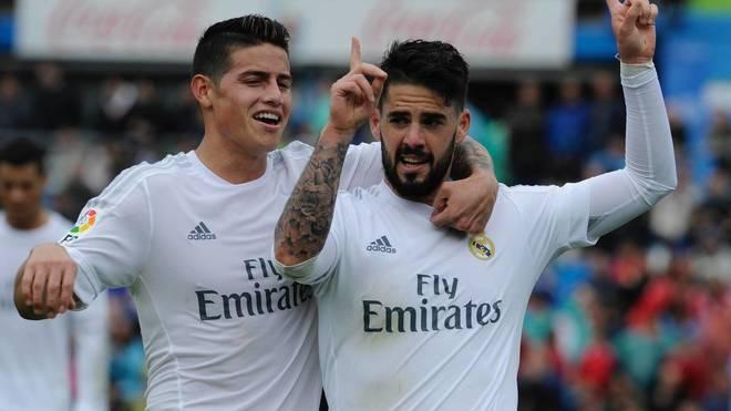 James e Isco celebran un gol en su etapa con el Real Madrid