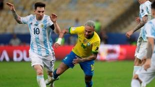 Lionel Messi consiguió su primer título con la selección absoluta...