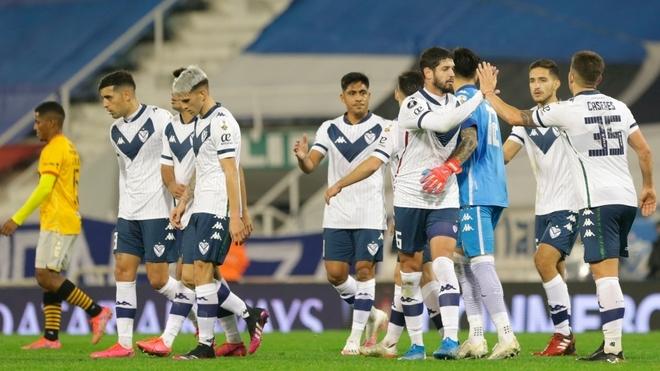 Vélez venció a Barcelona de Guayaquil por la ida de octavos de final...