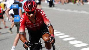 Nairo Quintana corriendo el Tour de Francia.