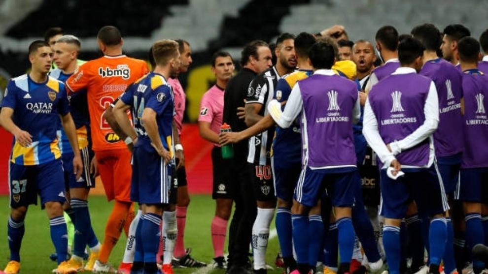 Un momento de la tangana formada al final del partido.
