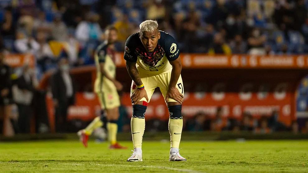 Boca Juniors subirá la oferta por Roger Martínez.
