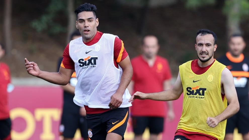 """La """"operación juvenil"""" podría dejar a Falcao fuera de Galatasaray."""