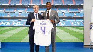 Alaba, el día de su presentación como jugador del Real Madrid