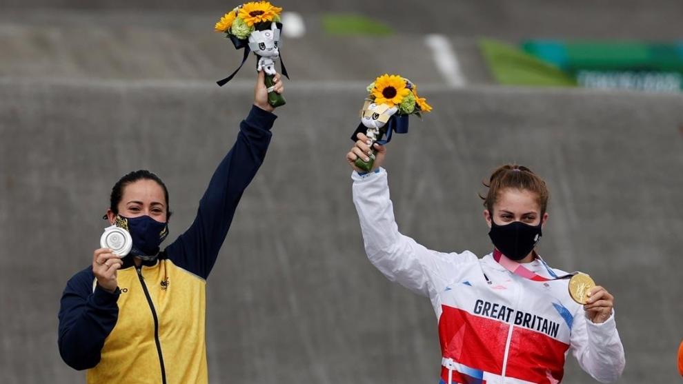 Mariana Pajón y Beth Shriever en la prueba de BMX.