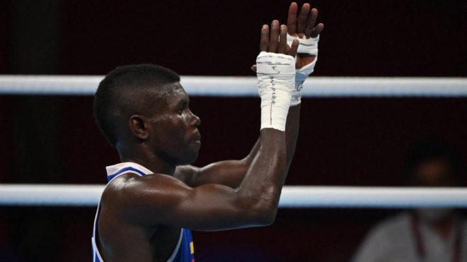 Yuberjen celebra el paso a los cuartos de final del boxeo.