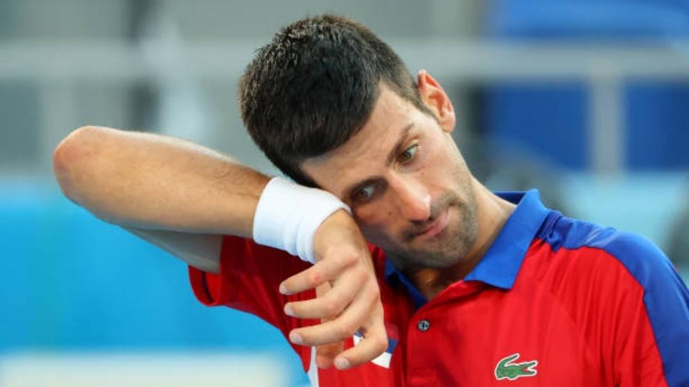 Novak Djokovic (34) en un momento del partido ante Pablo Carreño por...