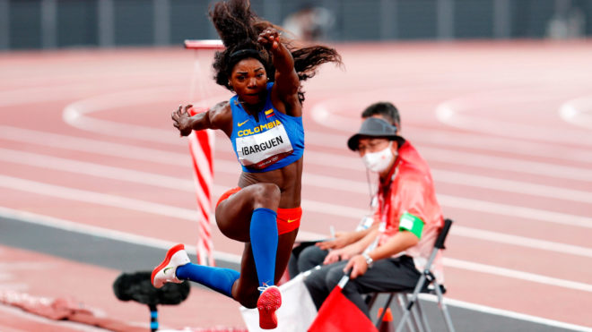 Colombiana en acción: Caterine Ibargüen va por la medalla de oro en...