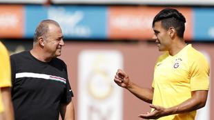 Fatih Terim y Falcao García, en un entrenamiento del Galatasaray.