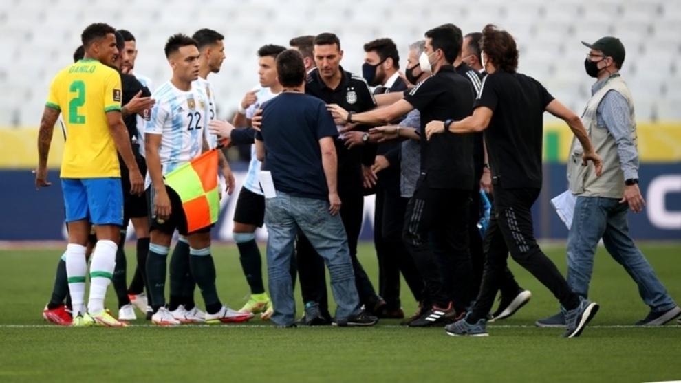 Brasil vs Argentina suspendido: Ridículo histórico: autoridades locales detienen Brasil vs Argentina en Eliminatorias | MARCA Claro Colombia