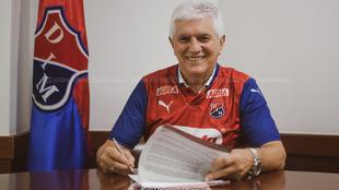 Julio Comesaña trendrá su cuarto ciclo como entrenador del...