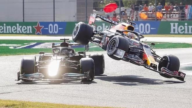 Jackie Stewart considera culpable a Verstappen en el accidente con...