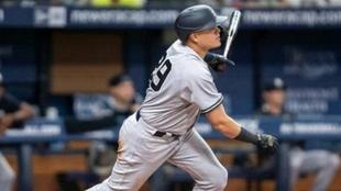 Urshela jugando con los Yankees.