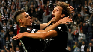 Eintracht Frankfurt iguala 1-1 frente al Fenerbahce.