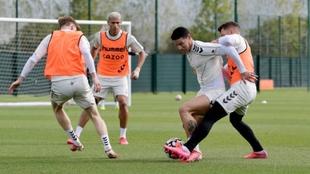 James Rodríguez entrenando con el Everton