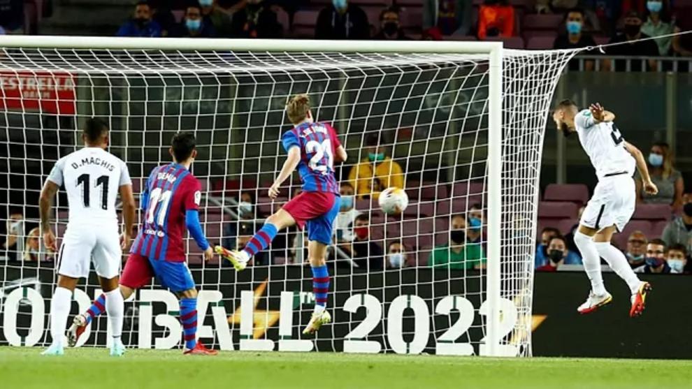 Domingos Duarte hizo el 0-1 del Granada en el Camp Nou con este...