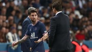 Momento en el que Messi dejaba el campo ante el Lyon. EFE