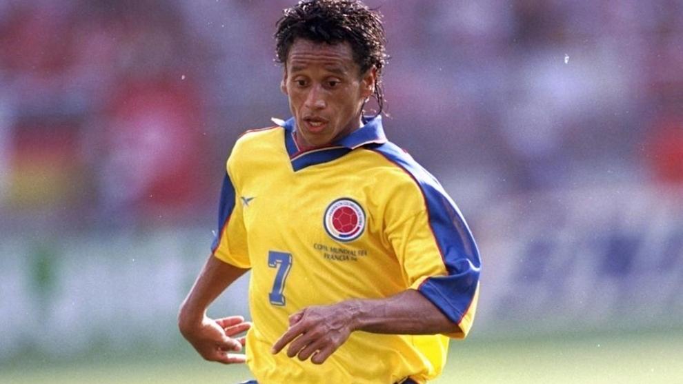 De Ávila defendiendo los colores de la Selección Colombia en 1994.