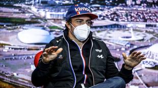 Alonso durante la rueda de prensa del GP de Rusia